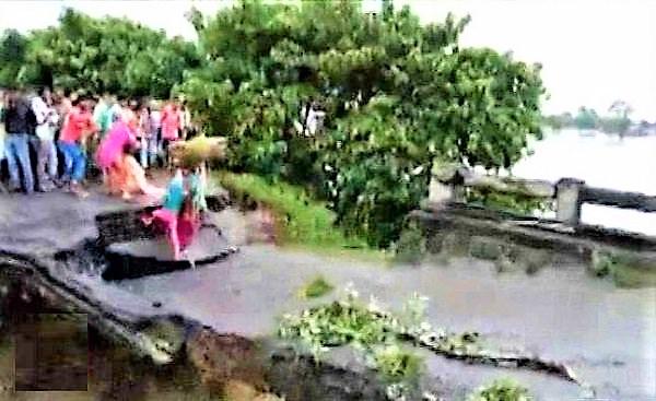 flood-india.www.jatirkhantha.com.bd